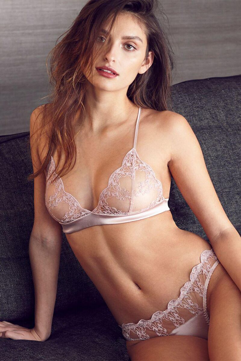 dd403bfcd798 Lingerie Shower: Everything You Need To Know