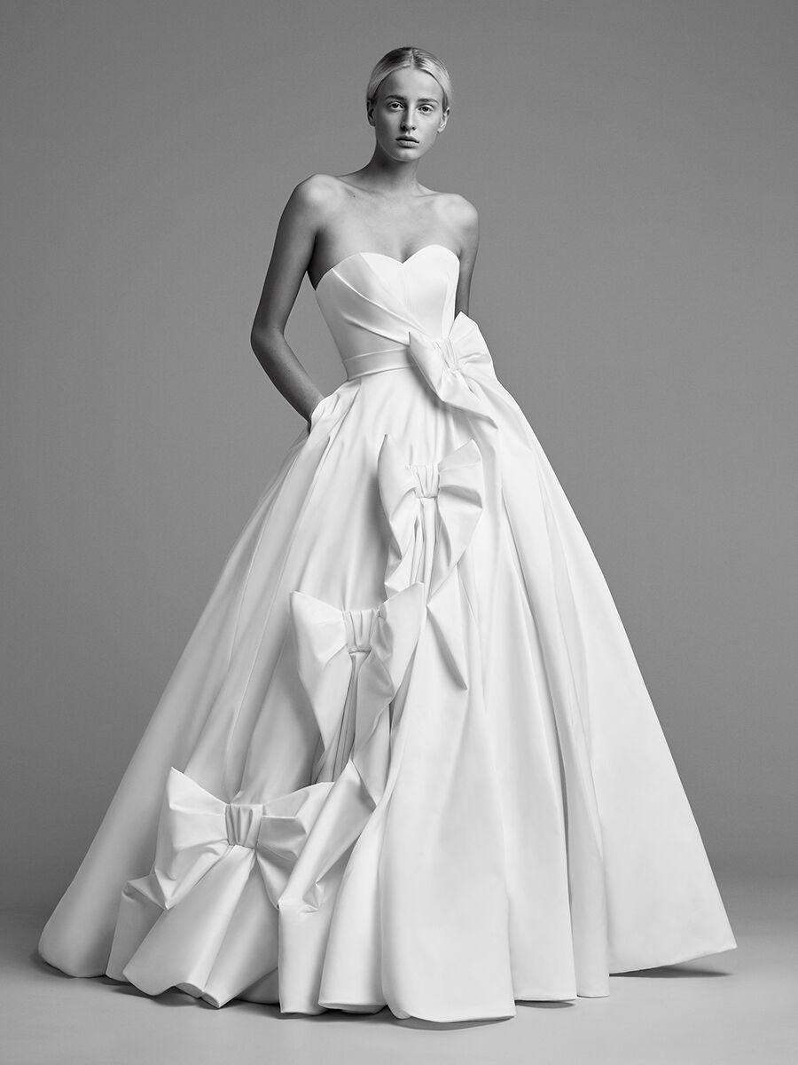1c992d16a8b 15 Wedding Dresses With Pockets