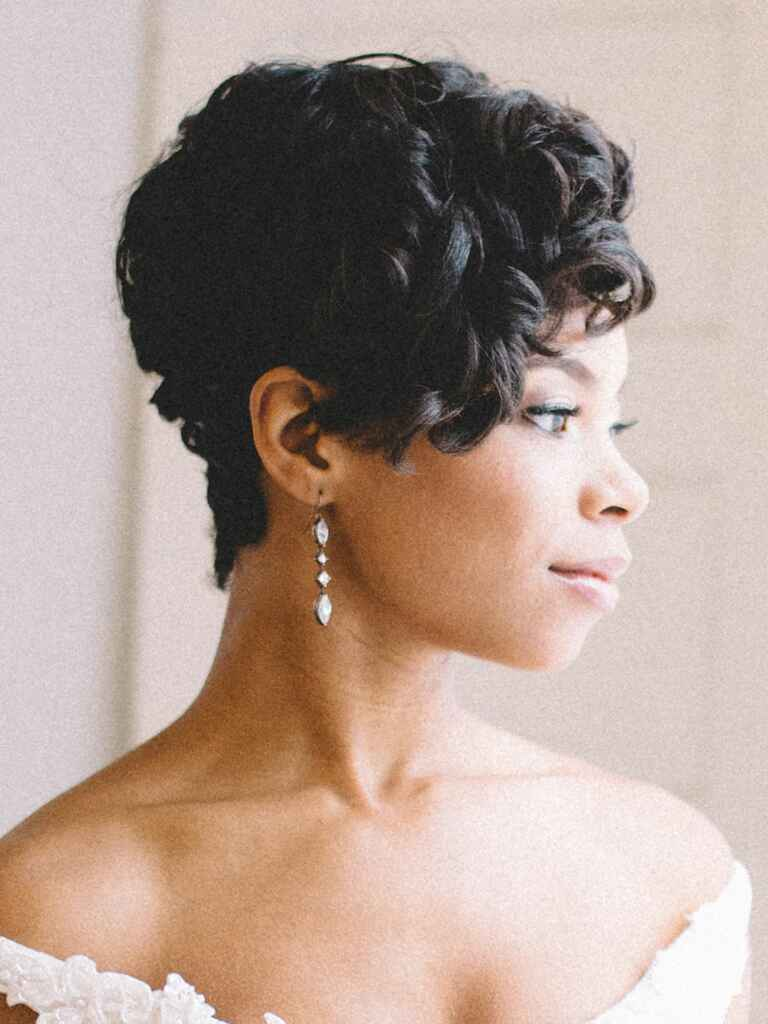 Wedding hair vintage curls