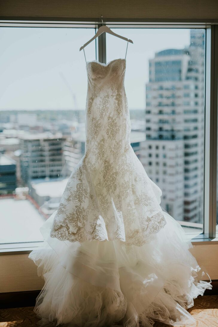 Full-Lace Trumpet-Style Gown With Sweetheart Neckline and Train