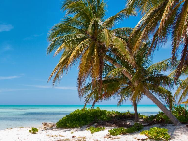 Caribbean wedding destination: Cayman Islands
