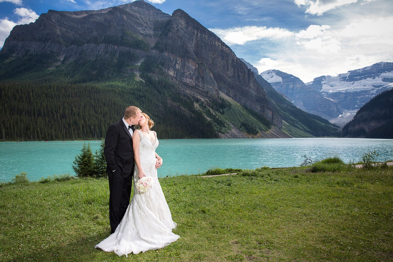 An Elegant Lakeside Wedding at Fairmont Chateau Lake ...