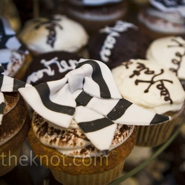 Striped Wedding Cupcakes