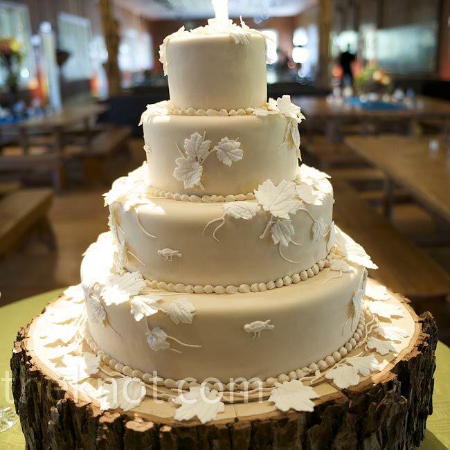 Outdoor Wedding Cake Ideas: White Leaf Cake