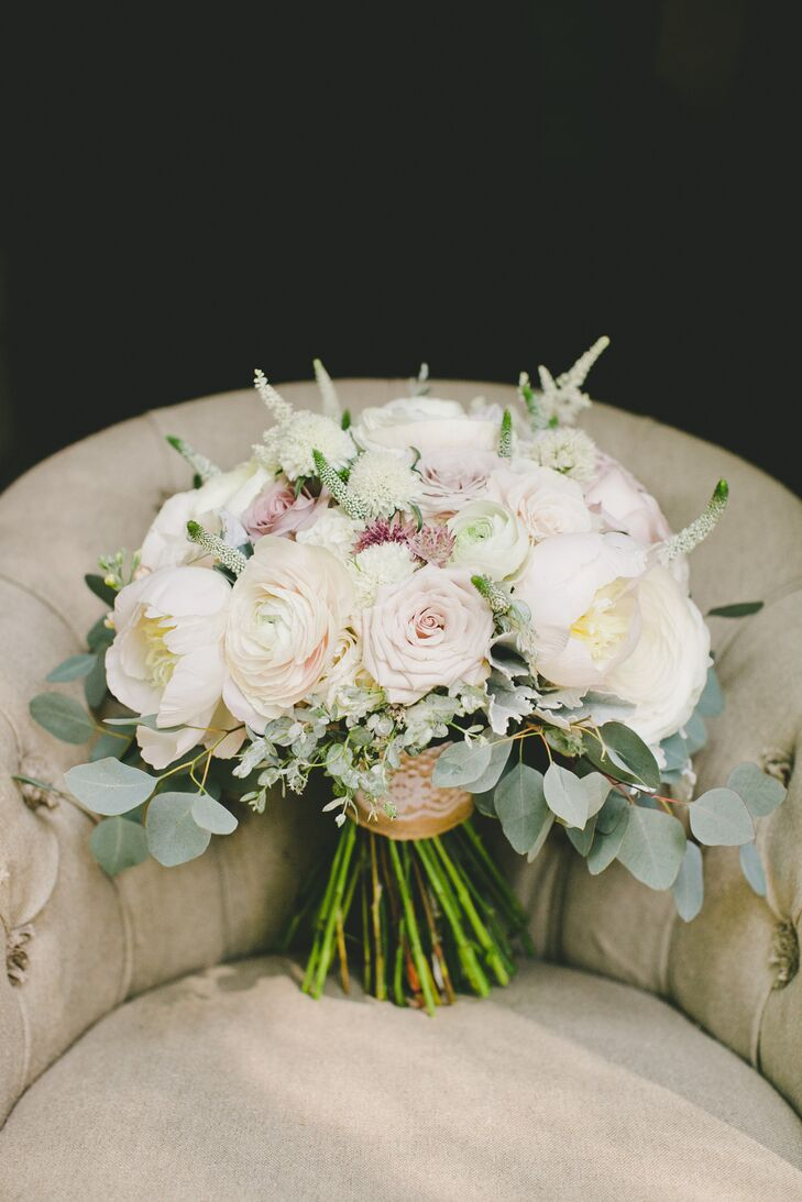 Romantic pastel colored flower bouquet for Pastel colored flower arrangements