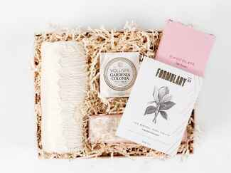 Box Fox pamper giftbox for a relaxing bridal gift