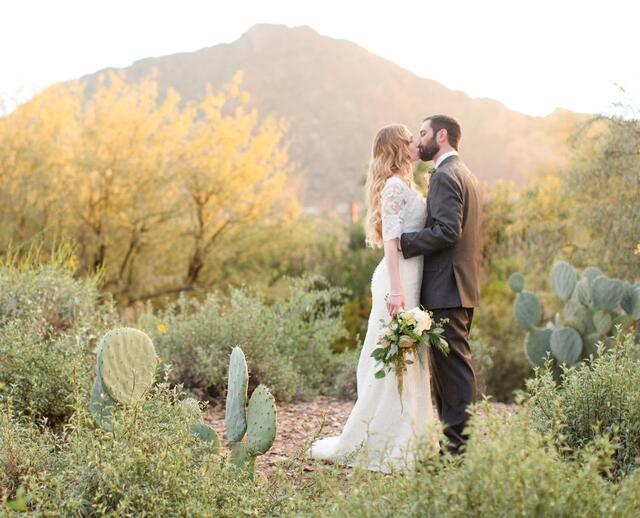 A Glam Vintage Inspired Winter Wedding At El Chorro In Paradise Valley Arizona