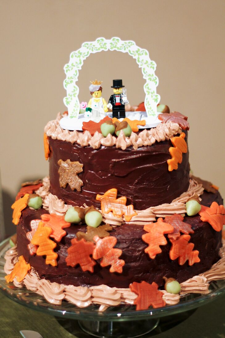 diy fall wedding cakes fall themed wedding cake with lego topper 13607