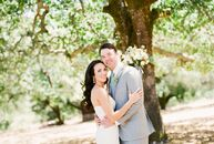 Lauren Lozano (30 and works in sales at Twitter) and John Vogt (36 and works in product management at SalesForce) planned a chic wine country affair f