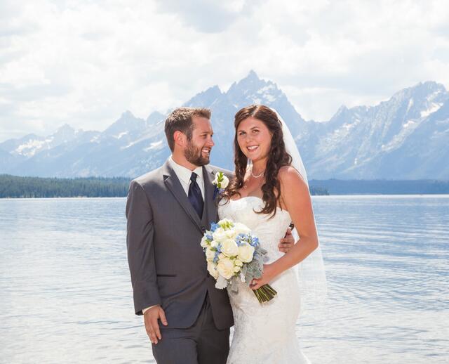 A Shabby Chic Mountain Wedding At Jackson Lake Lodge In Moran Wyoming