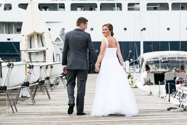 A Nautical Wedding at Columbia Yacht Club in Chicago, Illinois