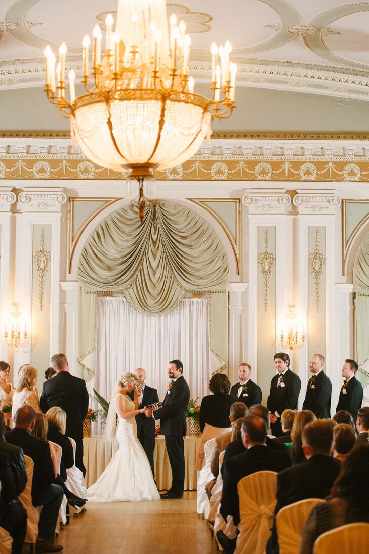 The ceremony at greysolon ballroom under 1920s chandelier arubaitofo Image collections