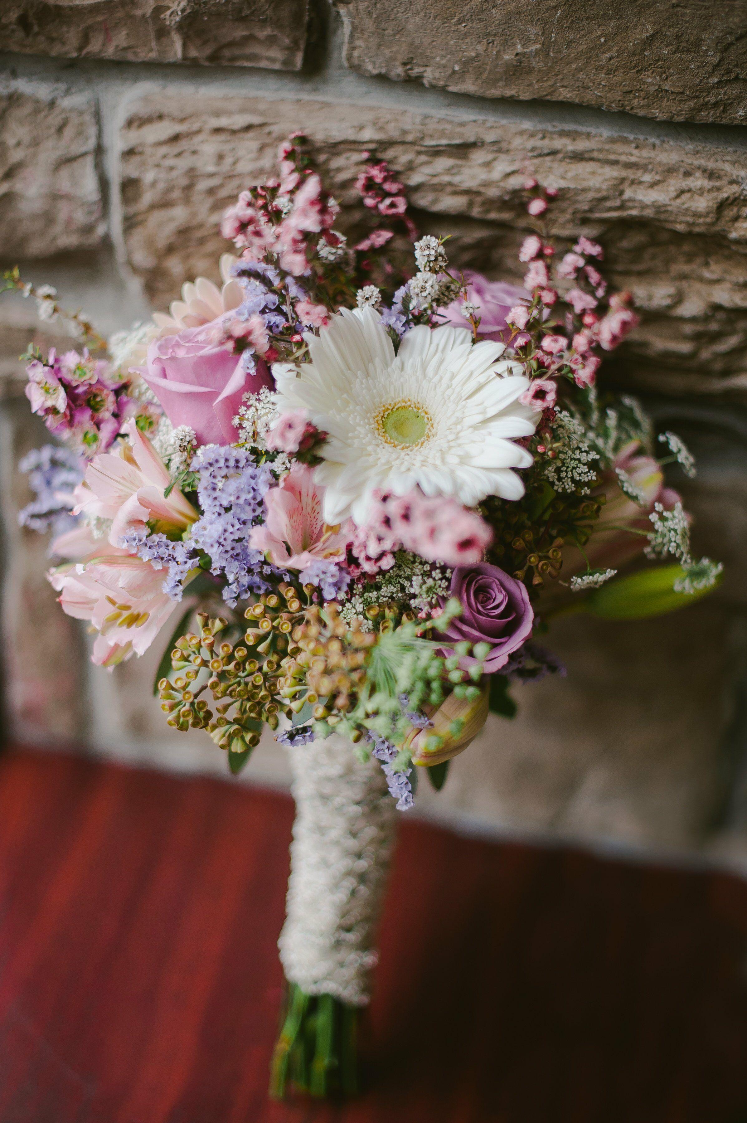 rustic spring bridal bouquet