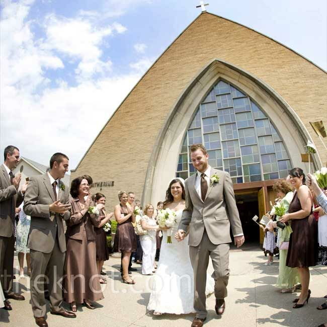 Real Weddings Study: A Simple Wedding In Toledo, OH