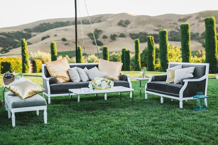 Outdoor Cocktail Hour With Lounge Furniture