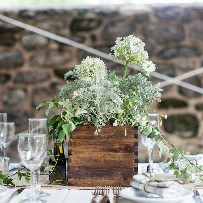 Country Wedding Ideas Flowers: Rustic Centerpieces
