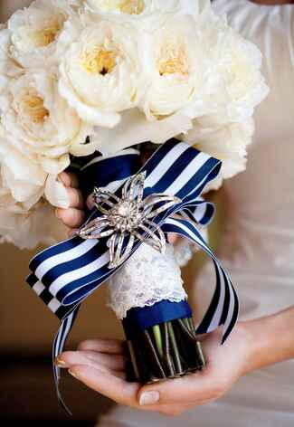 Heirloom brooch bridal bouquet accessory