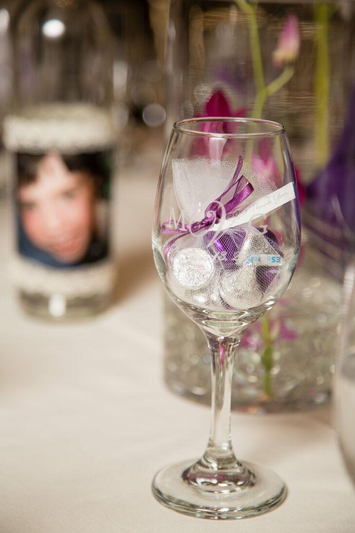 Engraved Wine Glasses Wedding Favors