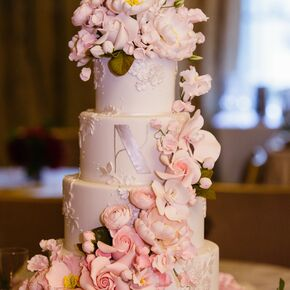 Blush And White Alternating Wedding Cake And Ribbon Detail