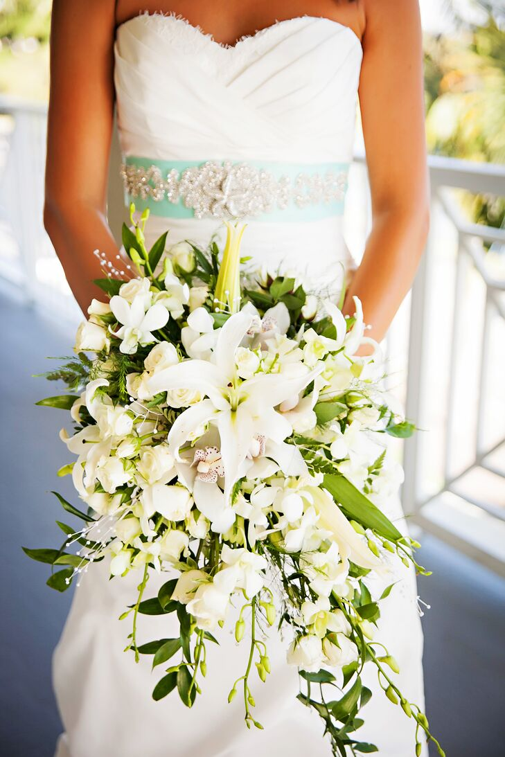 Premium Flowers: Wedding Themes: Calla Lily |Lily Bridal Bouquets