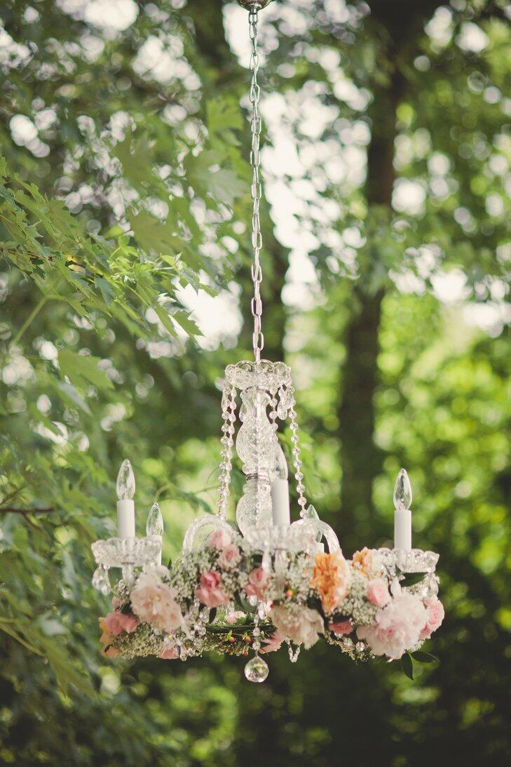 7 Beautiful Wedding Chandeliers That Steal the Show - crazyforus