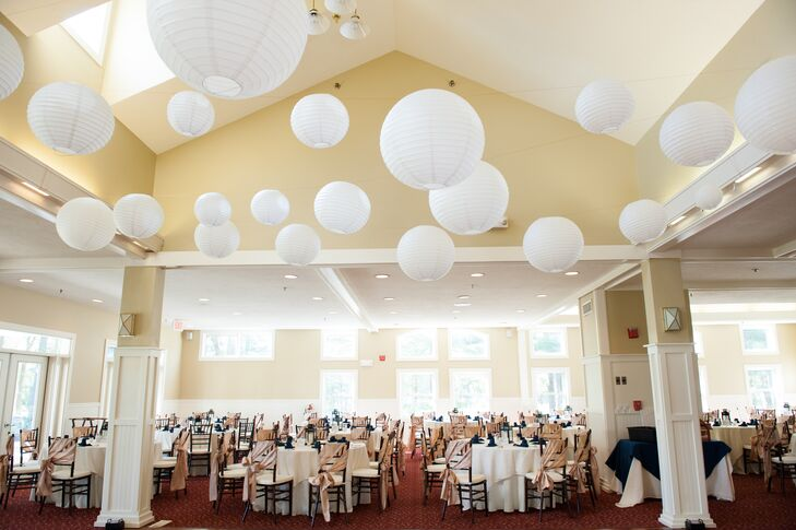 White Paper Lanterns Over Reception At Bay Pointe Club