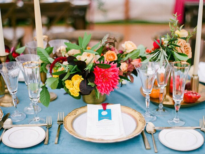Here's Why You Definitely Need a Seating Chart and Escort Cards