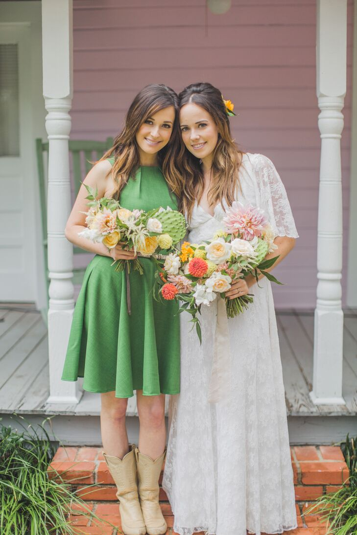 Kelly with her sister, maid of honor and singer Kacey Musgraves.