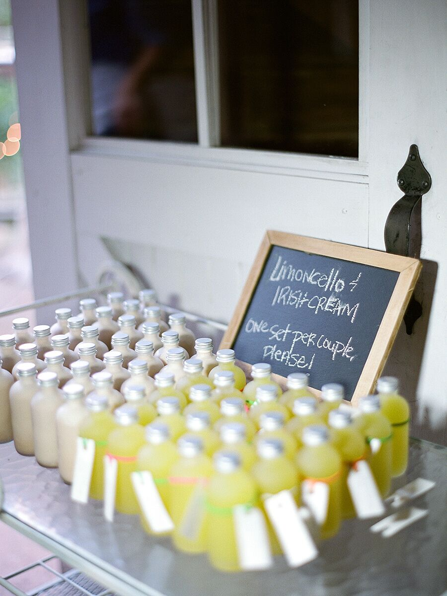 15 DIY Foods You Could Make for Your Wedding