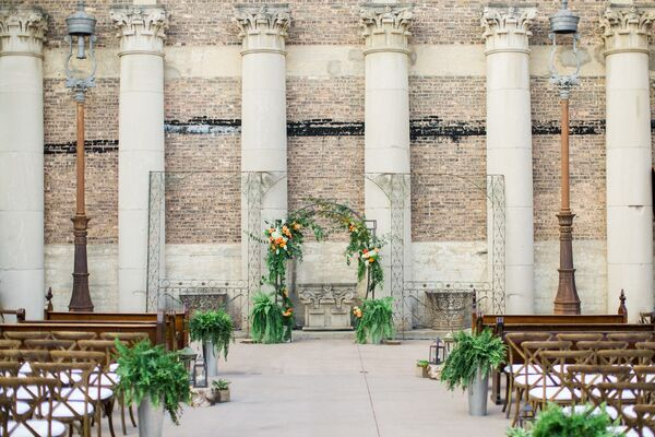 Natural, Vintage-Inspired Ceremony