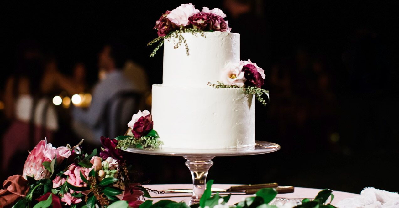 Wedding Cake Budget Tips How To Save Money On Your Wedding Cake