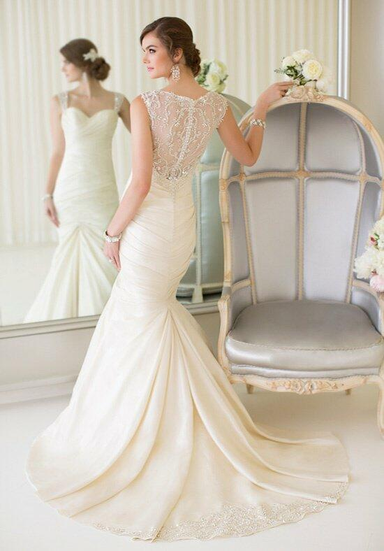 Essense of Australia D1608 Wedding Dress photo
