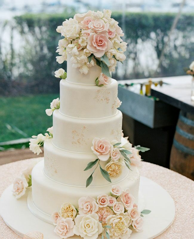Pink And White Wedding Cake Flowers Img Cl