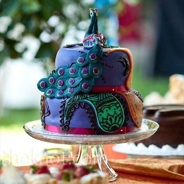 Peacock Feather Wedding Cake: Peacock Feather Centerpieces