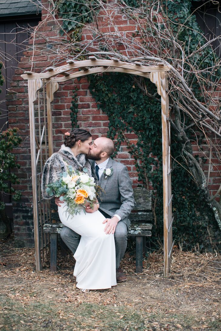 A Rustic Chic Winter Wedding At High Mowing School In Wilton New Hampshire