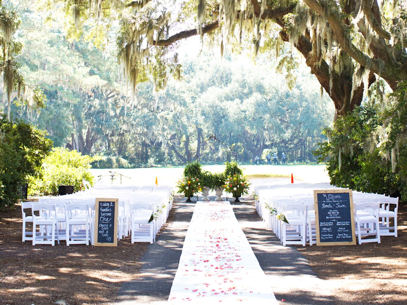 Can i have an aisle runner at my outdoor wedding for Unique wedding registry sites