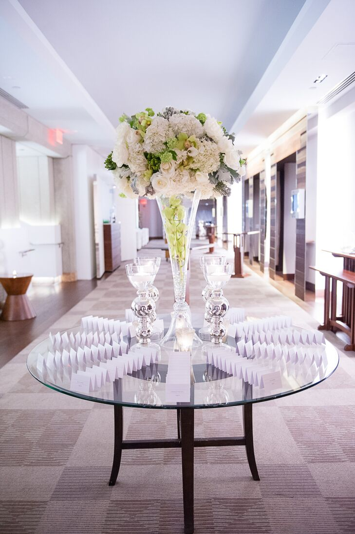 Modern Tall White Wedding Centerpieces Model - The Wedding Ideas ...