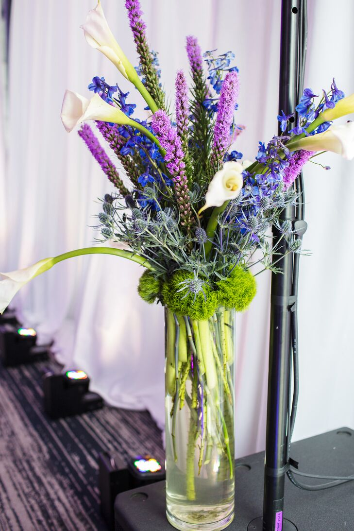 Tall blue and purple floral arrangement izmirmasajfo