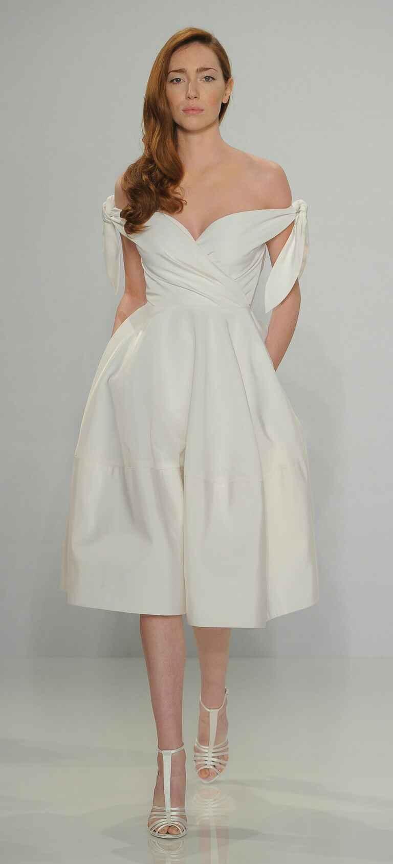 Beach wedding dresses a complete guide for Valentino short wedding dress