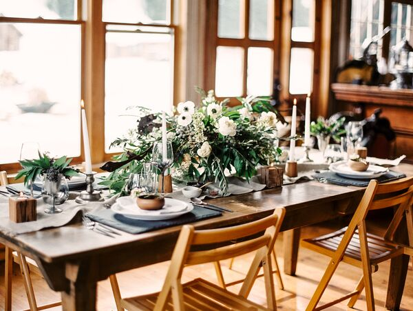 Winter wedding centerpieces green and white floral centerpieces junglespirit Image collections
