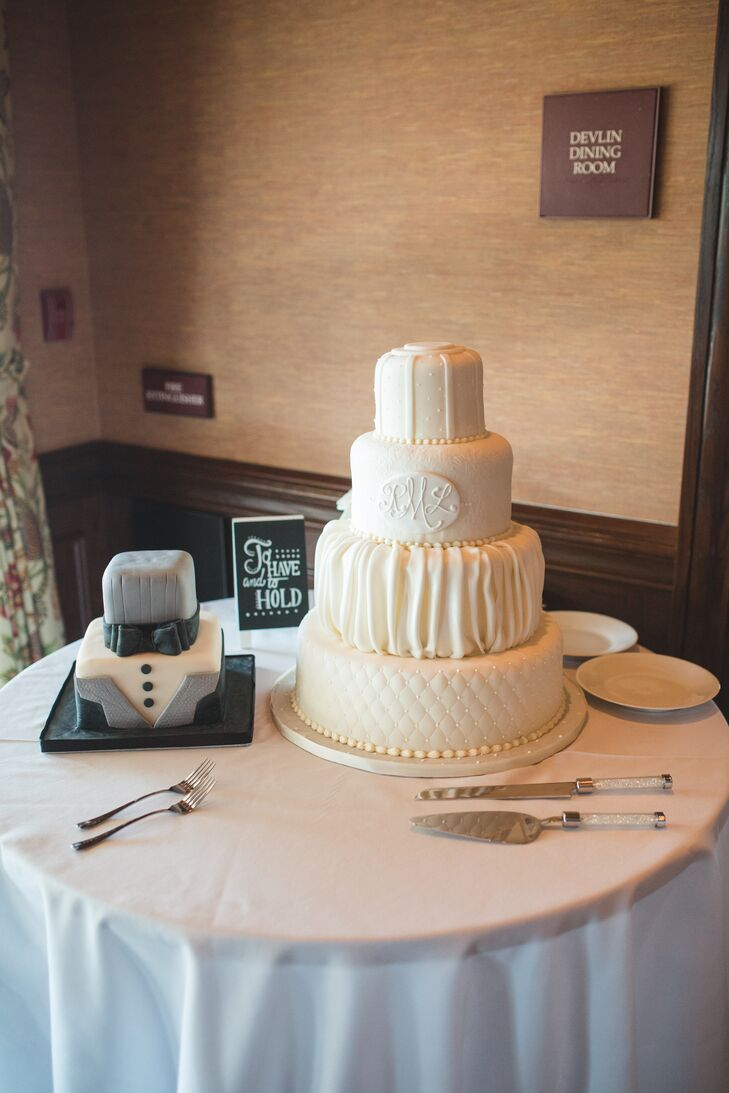 wedding cake grooms wedding cake and grooms cake table 22790