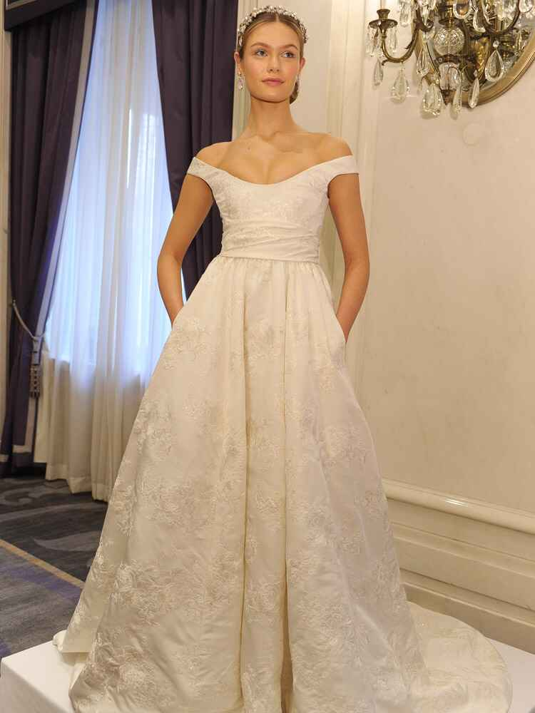Marchesa spring wedding dresses are all about romance for 2016 for Marchesa wedding dresses prices