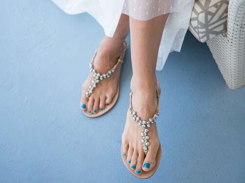 Wedding Accessories: Must Wedding Shoes Be White?