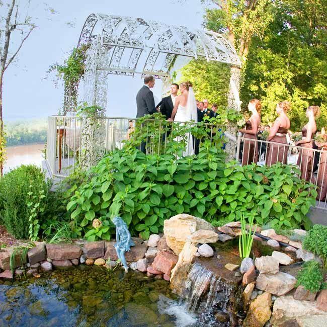 Staci & Joe: An Outdoor Wedding In Washington, MO