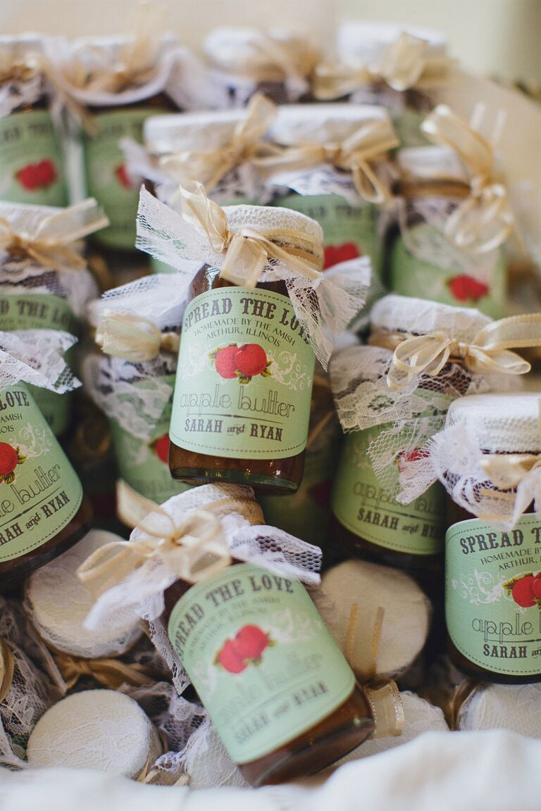 Apple butter as Fall wedding favors