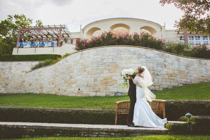 Elegant, Napa-Inspired Lakefront Wedding At Omni Barton