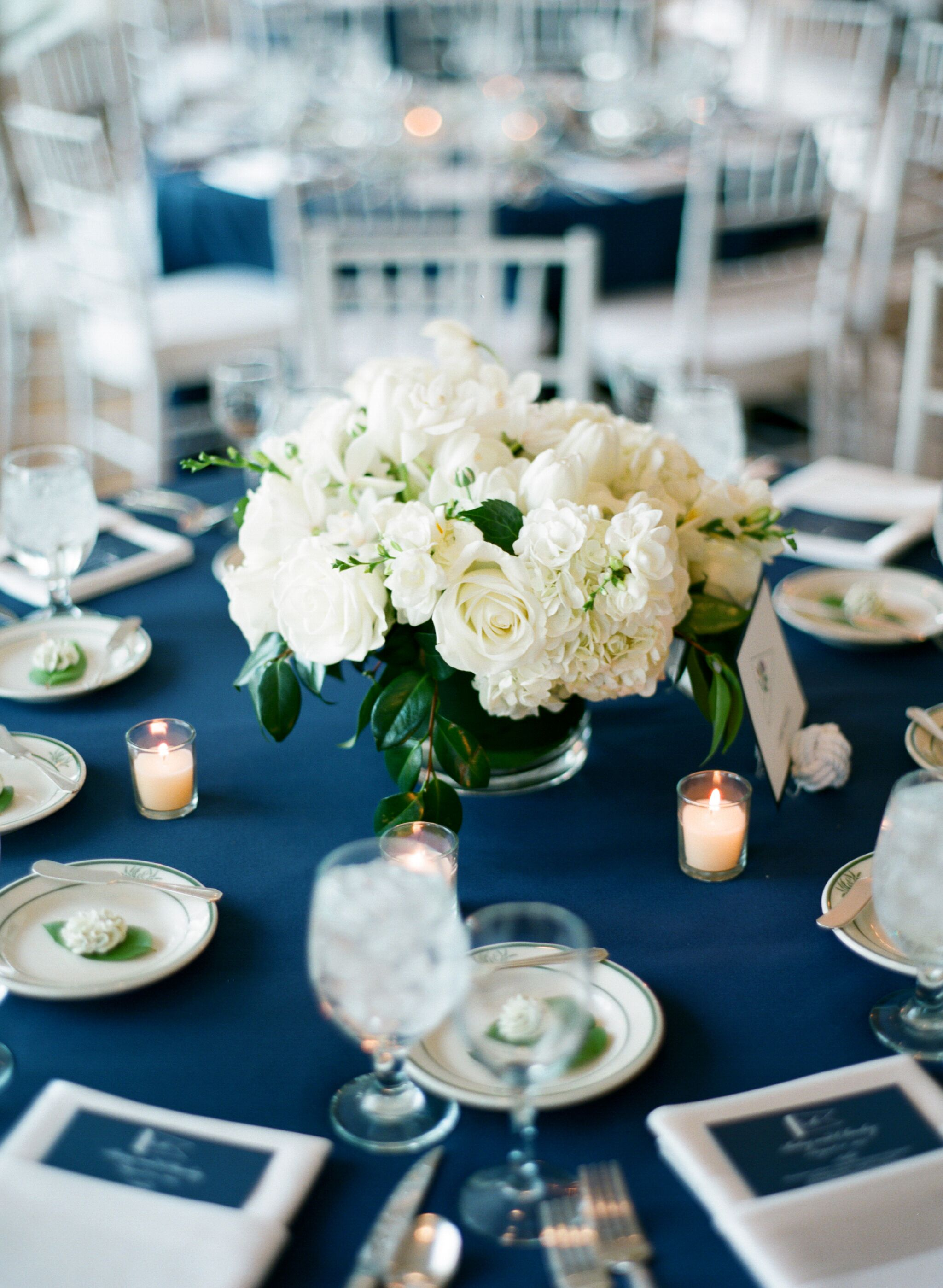 Short White Hydrangea And Rose Centerpieces