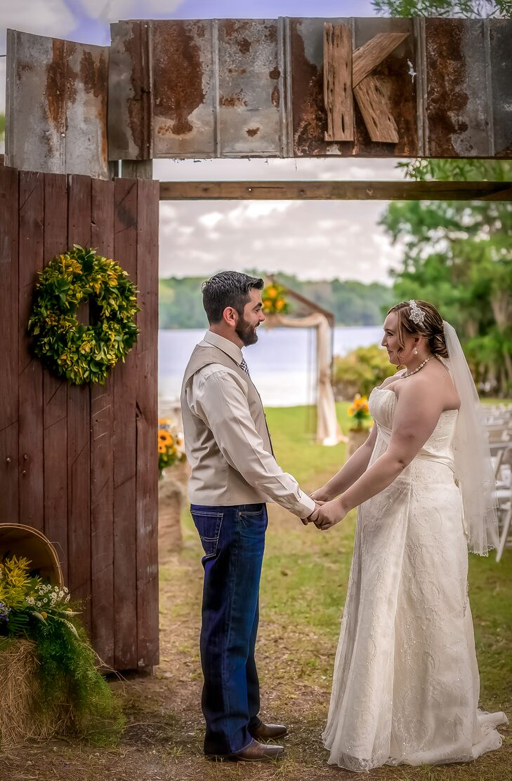 Rustic Outdoor Wedding in DeLand, Florida