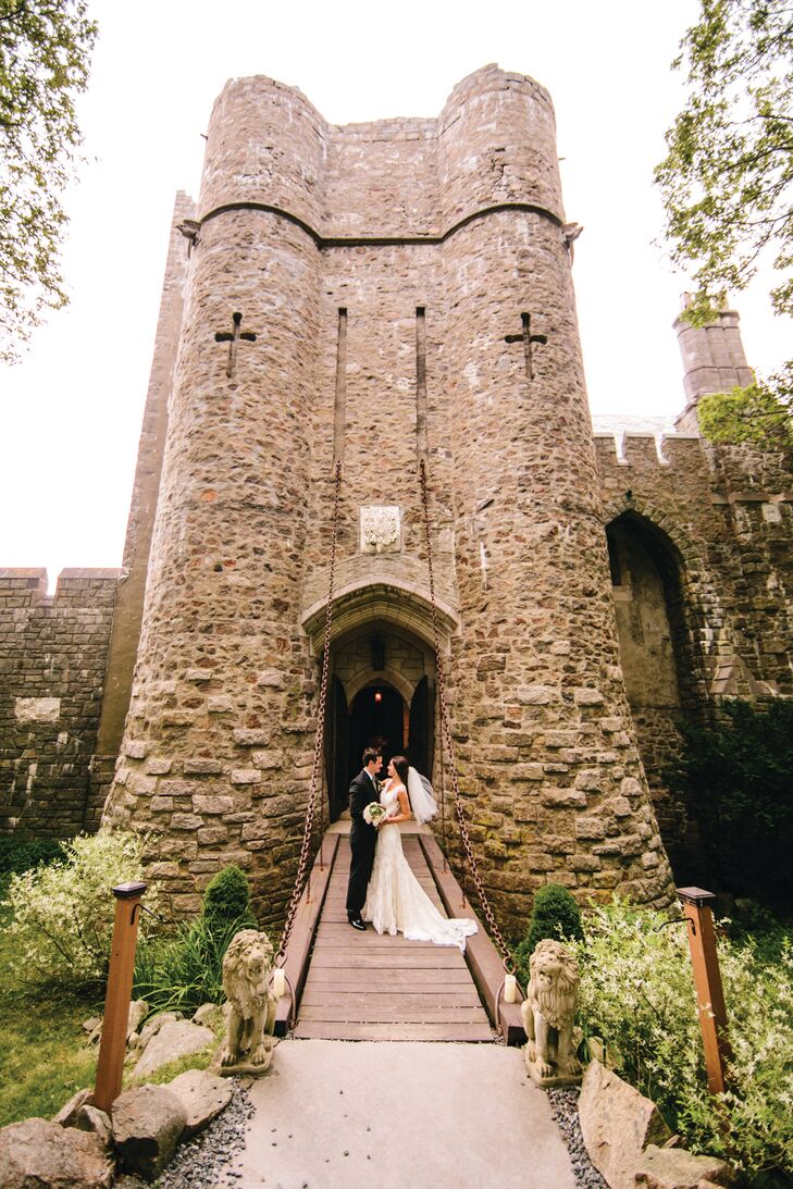 Hammond castle wedding for Unique wedding registry sites