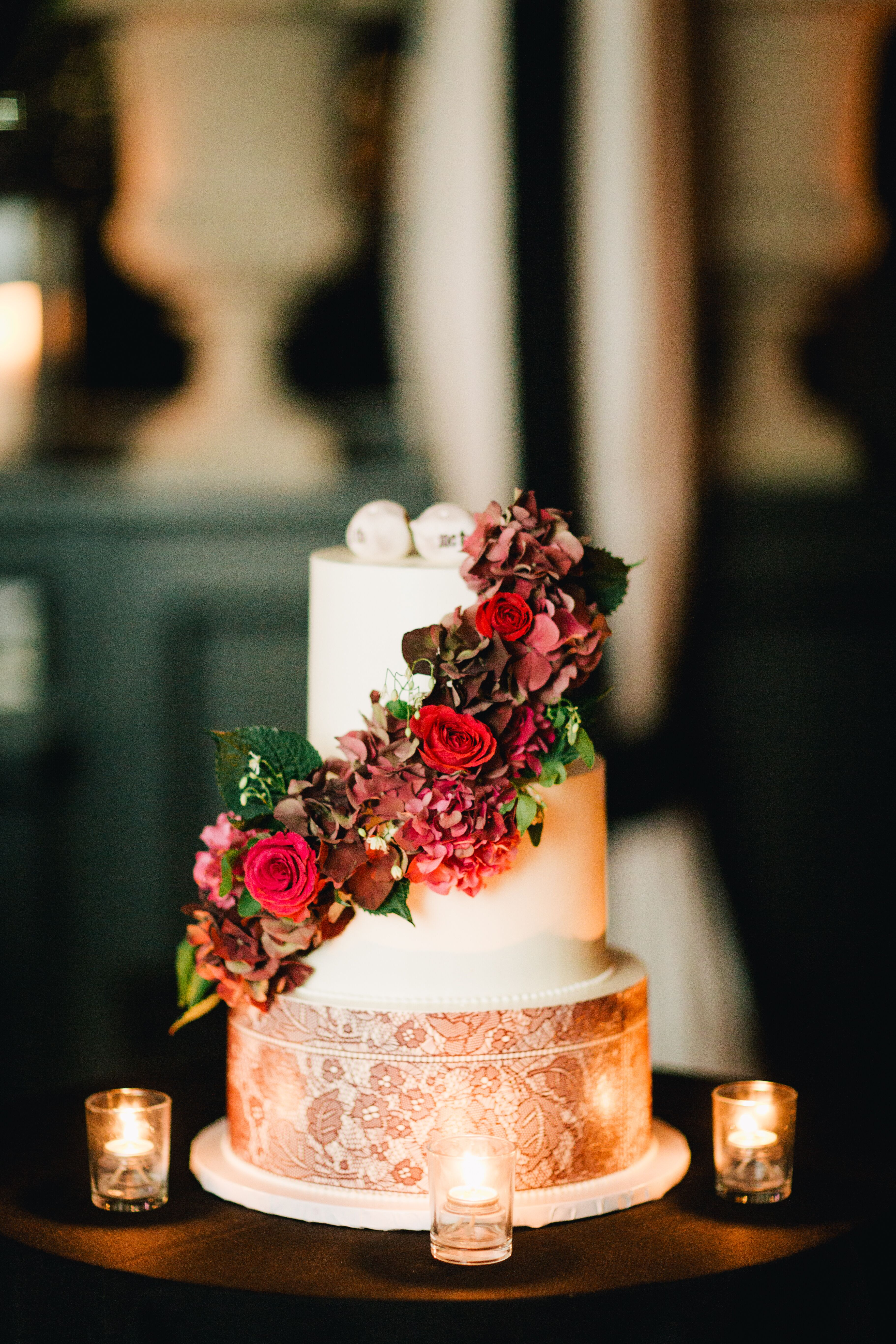 burgundy wedding cakes lace wedding cake with burgundy flowers 12246